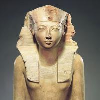 Female mummy Hatshepsut statue